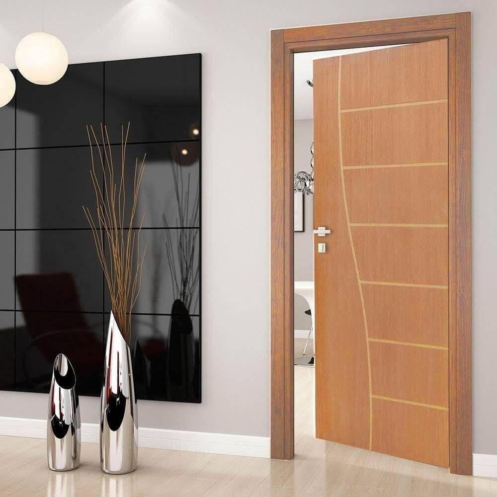 Porta Frisada de Madeira Sarrafeada Monalisa Padrão Cedro-210 x 92
