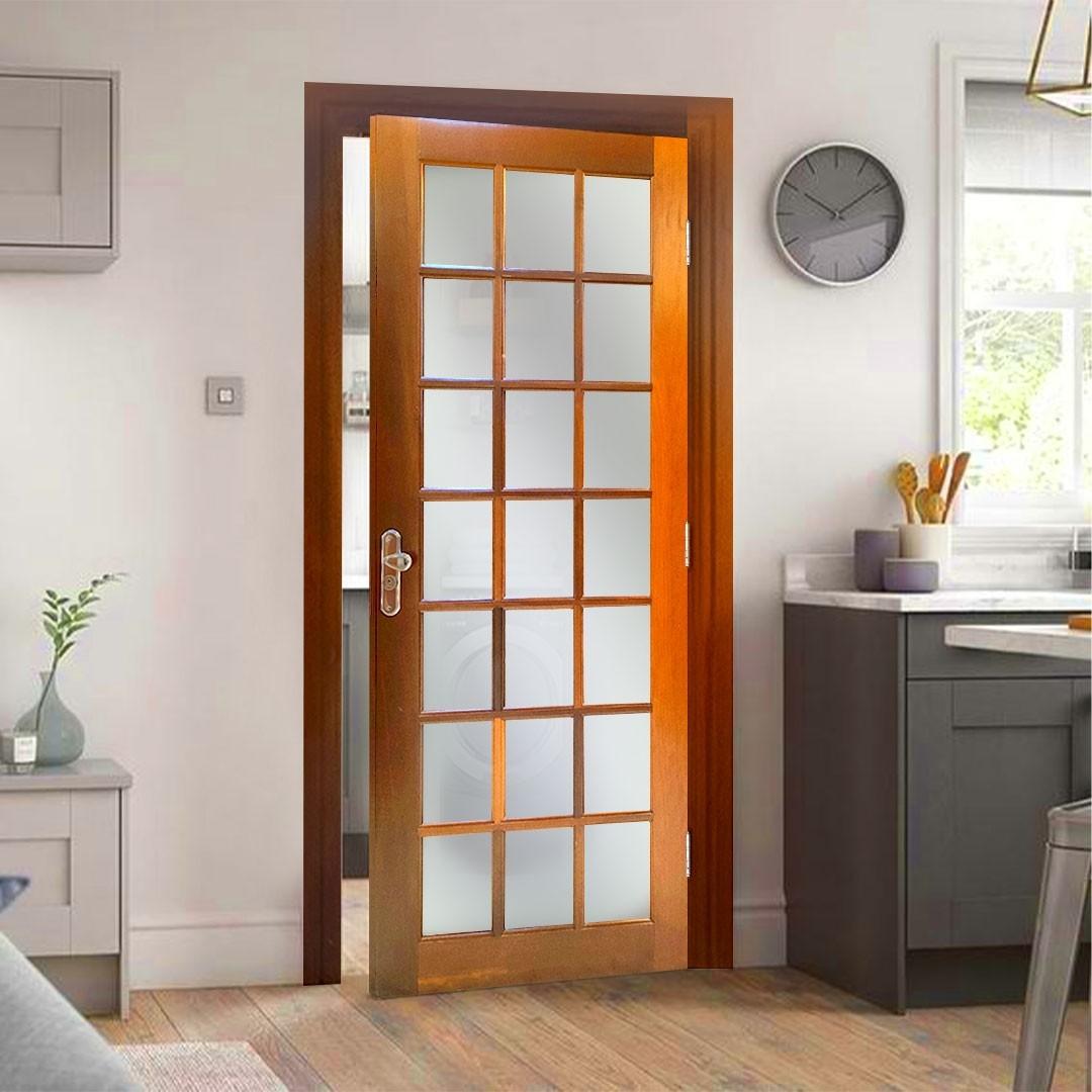 Porta de Madeira Maciça 21 Vidros sem Almofada Reto Interno Padrão Cedro