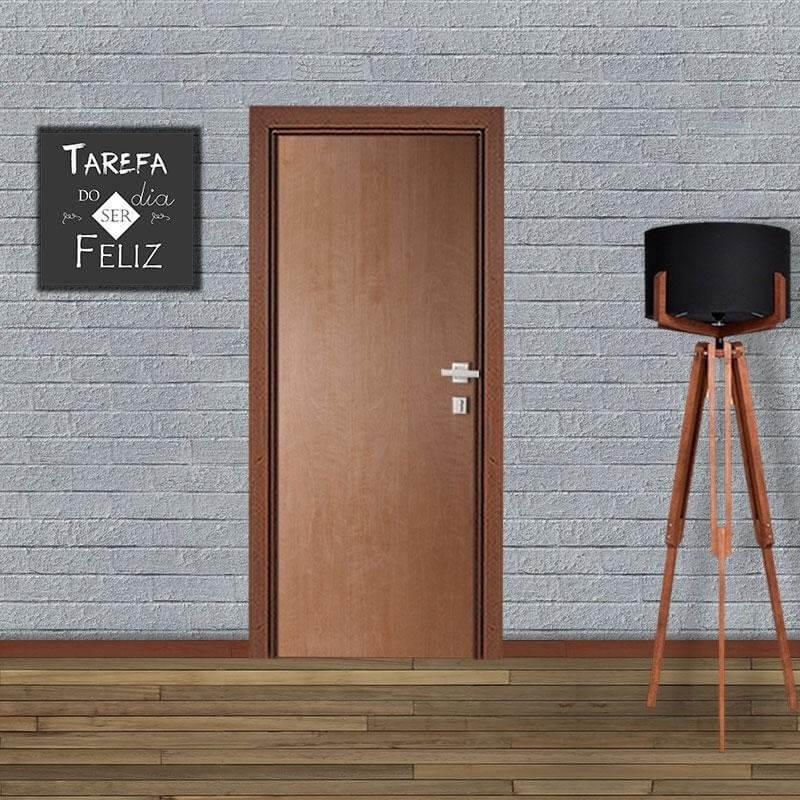 Porta Lisa de Madeira Sarrafeada Verniz Extra